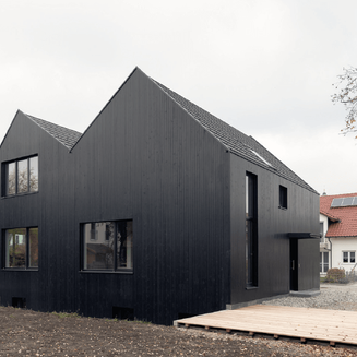 Black Moorenweis House