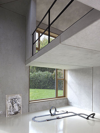 House with concrete walls
